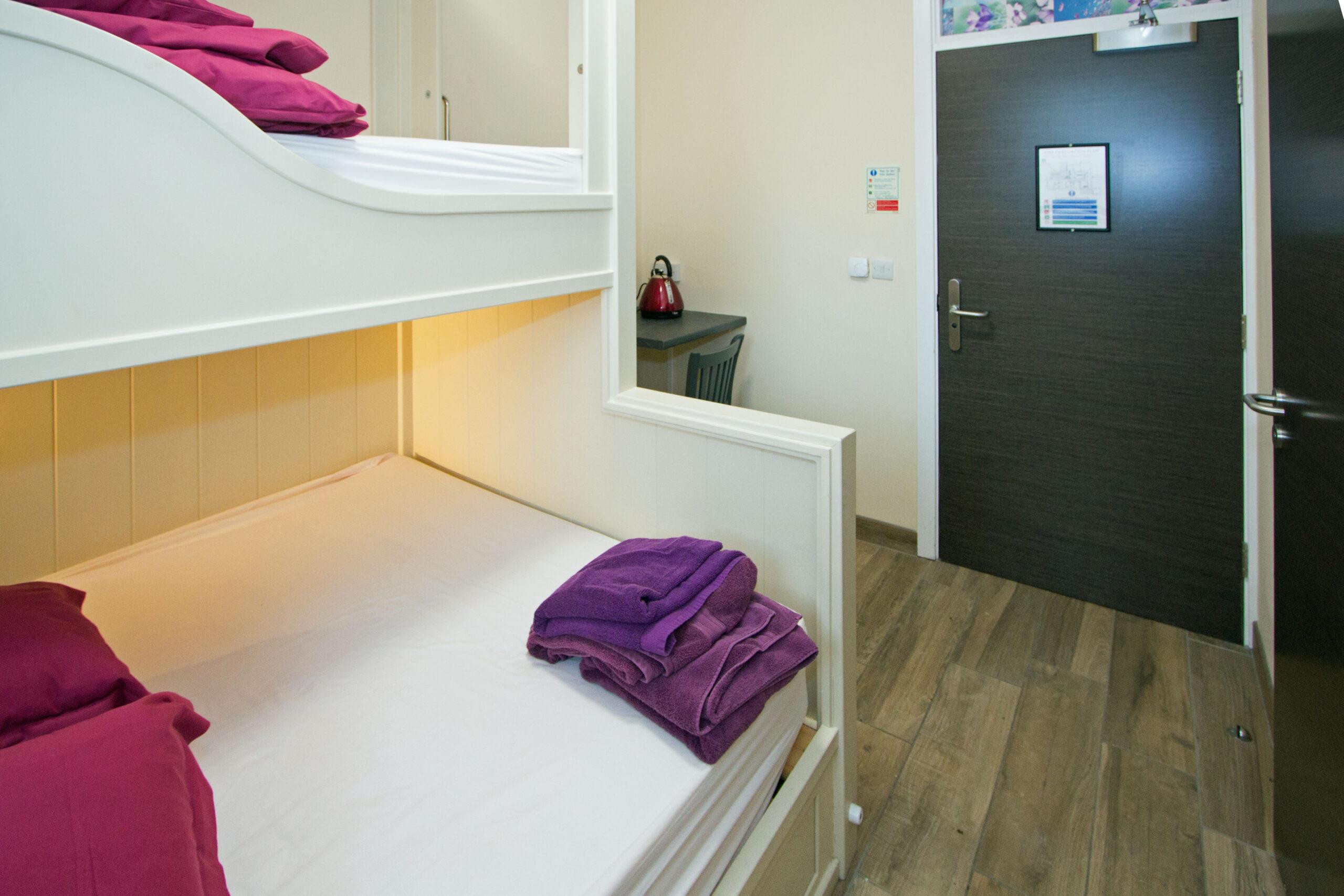 Llety Room 2